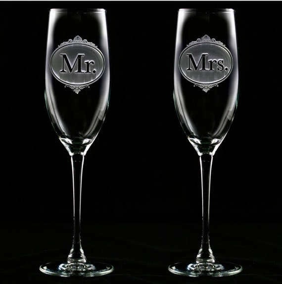 Wedding Gift Champagne Flutes: Mr. And Mrs. Champagne Glasses Toasting Flutes Wedding Gifts