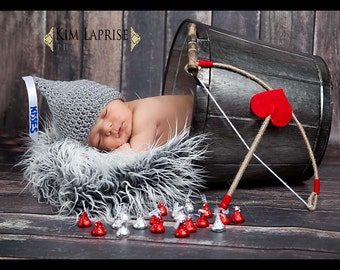 Newborn Kisses Hat Photo Prop