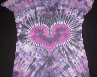 W19 Psychedelic Ladies V Neck Tie Dye T-Shirt Size Women's Med Tall. 2nd photo is back