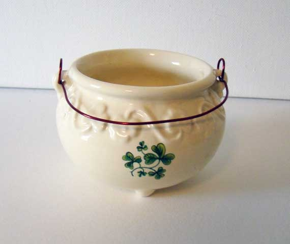 Irish home decor carrigcraft pottery pot of gold county for Irish home decorations