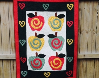 Fall Apple Quilted Wall Hanging