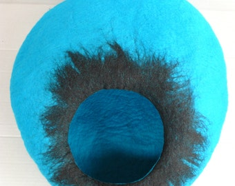 Hand Felted Cat Bed / Cat Cave / Cat Den / Cocoon /Turquoise Cat House