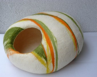 Felted Cat Cave / Cocoon / Cat House / Mix colors