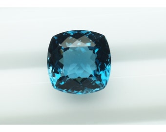 London Blue topaz 15mm Cushion