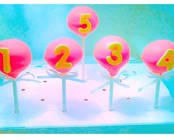12 Birthday Cake Pops