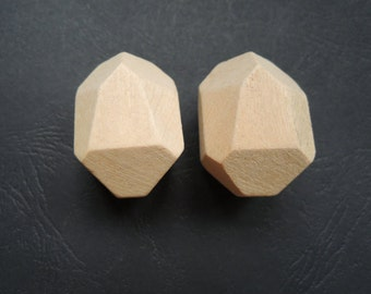 5 Pcs  40x33mm Large Faceted Wood Bead  No Varnish (W1022)