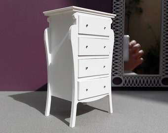 Four drawers commode