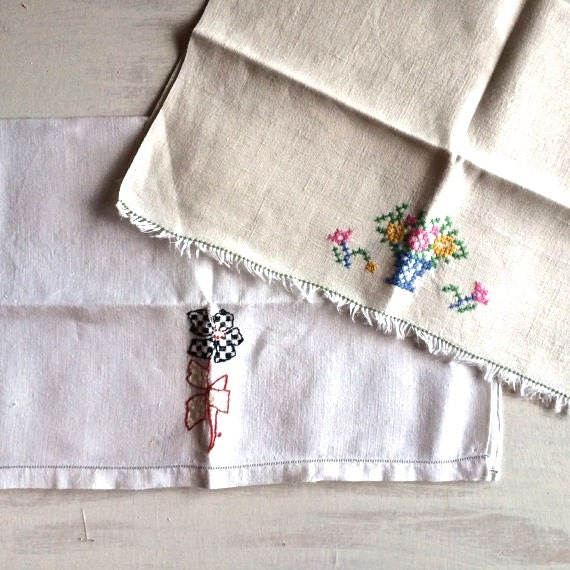 Two Vintage Embroidered Guest Hand Towels By BessieRuths