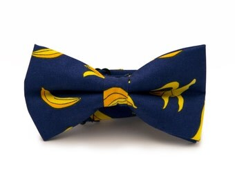 Mens navy blue with bananas bow tie - Blue and yellow bow tie - Banana tie - Navy bowtie - Pretied mens bow tie