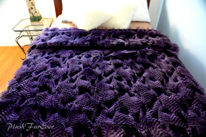 plumes fantaisie violet couvre lit couvre lits couverture jet. Black Bedroom Furniture Sets. Home Design Ideas
