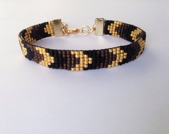 Aztec pattern beadwoven bracelet, with gold plated clasp