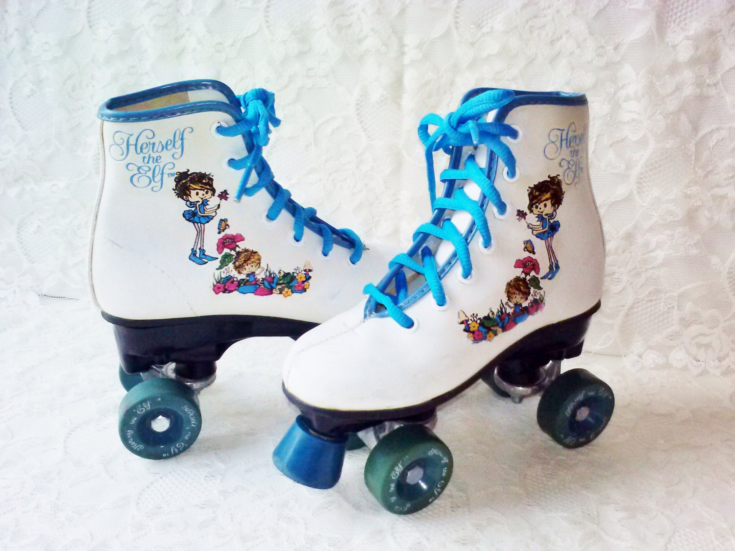 Roller shoes perth - Girl S Roller Skates Boot Type Vintage White Blue Leather Herself The Elf New Laces Blue Toe Stops Precision Wheels Great Condition Estate