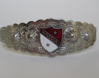 SALE vintage bracelet souvenir Missouri adjustable size, State Bracelet