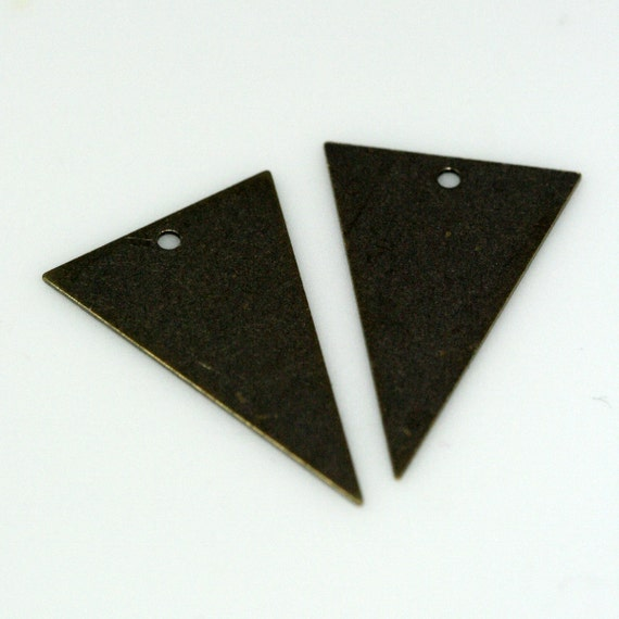 20 pcs 16x25 mm antique brass triangle tag 1 hole charms ,findings AB829m