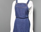 1970s 1980s California Ivy Denim Jean Jumper Jumpsuit Apron Overalls Dress with Pockets. Size small / medium