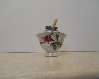 China Table Cigarette Lighter with Moss Rose Patteren