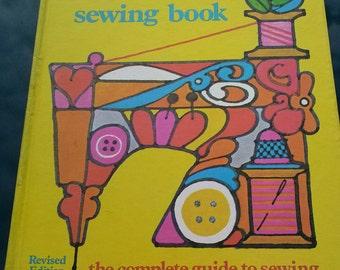 Vintage Singer Sewing Machine Book 1972 Sewing Instruction Needlework Dressmaking Tailoring Patterns.