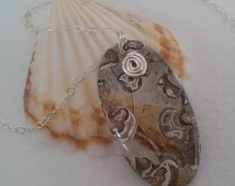 Onyx Agate Pendant Necklace with Sterling Silver Chain and Sterling Silver Lobster Claw Clasp