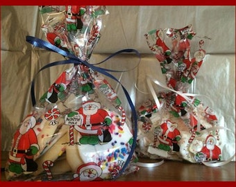 Set of 12 Santa Claus North Pole Theme Christmas Cello Cellophane Treat Bags ~ Candy ~ Gift ~ Cookie ~ Plastic ~ Goody