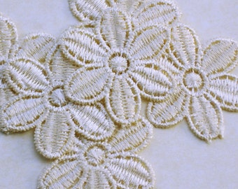 Cream flower applique set of 6