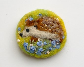 Hedgehog brooch, needle felted brooch, hedgehog pin, Felt Brooch, Wool, spring, Meadow