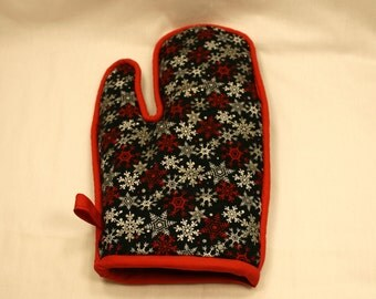 Snowflake Oven Mitt -Thick - Great Gift for the Ladies!  Xmas/Wedding/Anniversary!  Kitchen/Housewares Item - Gift under 20