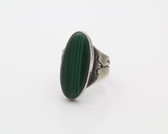 Antique Navajo Sterling Silver and Malachite Ring w Pierced Band Sz 5.5. [1402]