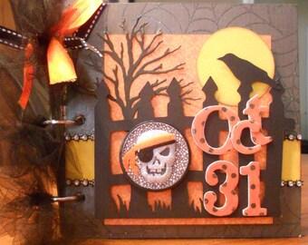 Halloween mini chipboard album.