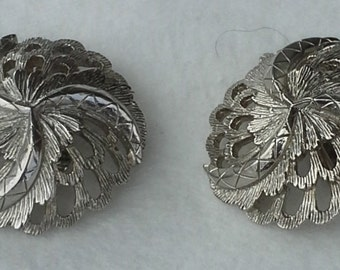 Vintage casted silver tone metal clip earrings 1960s