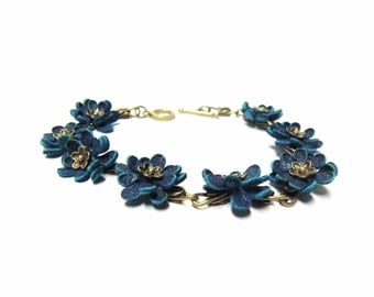 Leather floral bracelet with turquoise handmade leather flower