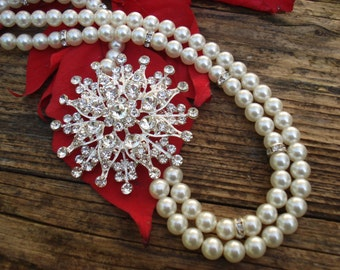 Wedding Bridal Statement Necklace.Vintage Inspired Luxury Jewelry with Ivory Pearls.Bridesmaid Gift.Perfect for any Occasion.Great Gift Idea