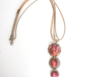 Necklace with filigree