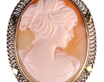 Beautiful CAMEO Brooch or Pendant in 14K Gold