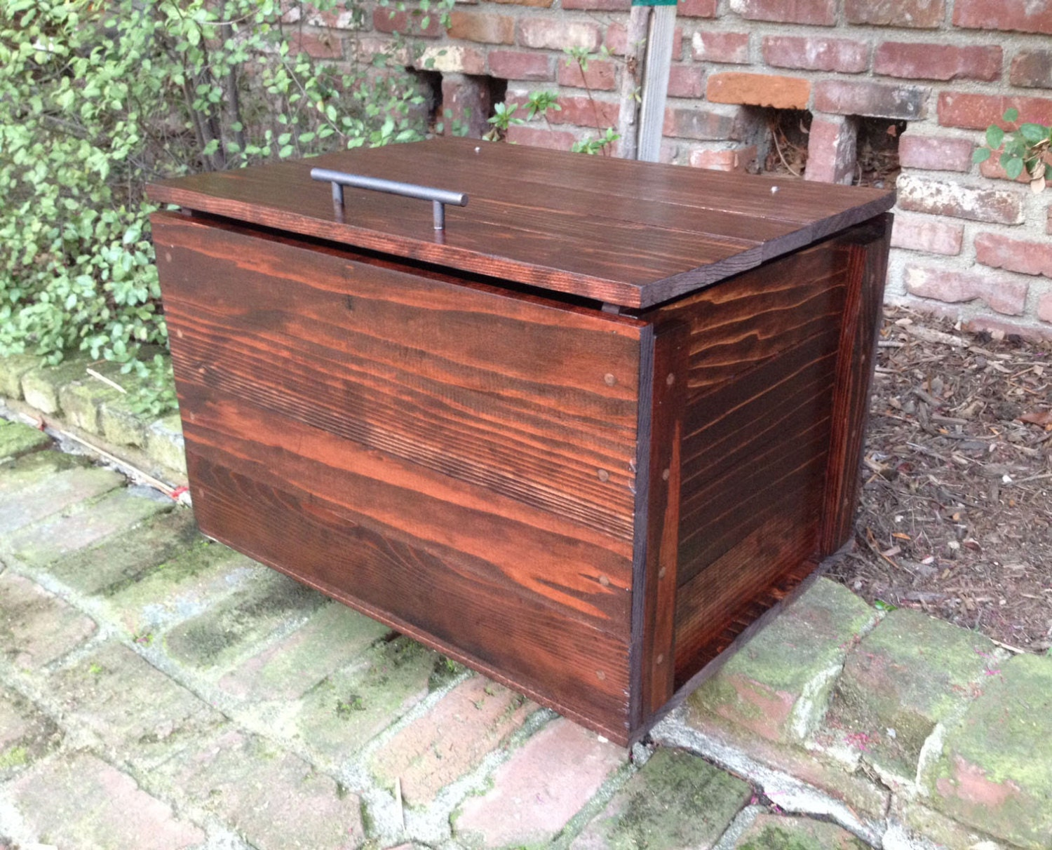 Redwood chest rustic style multi use blanket storage for Uses for wooden boxes