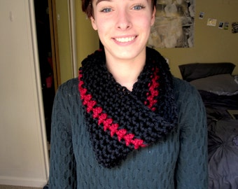 Handmade Crochet Cowl Scarf || Black and Red
