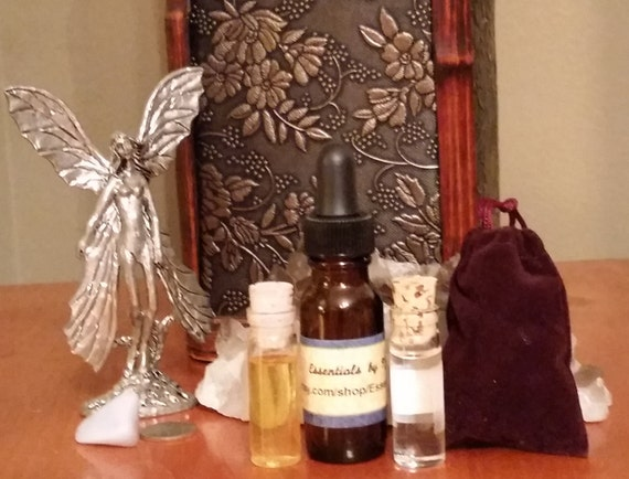 Small Gift Set: 3 oil blends + 1 mojo bag!