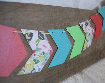 Chevron Arrow Paper Banner