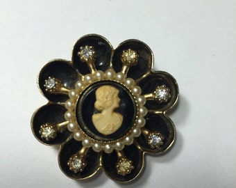 Coro Black and Cream Cameo Pin Brooch