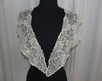 1900s Antique Large Victorian Edwardian Lace Collar Embroidery on Net Lace