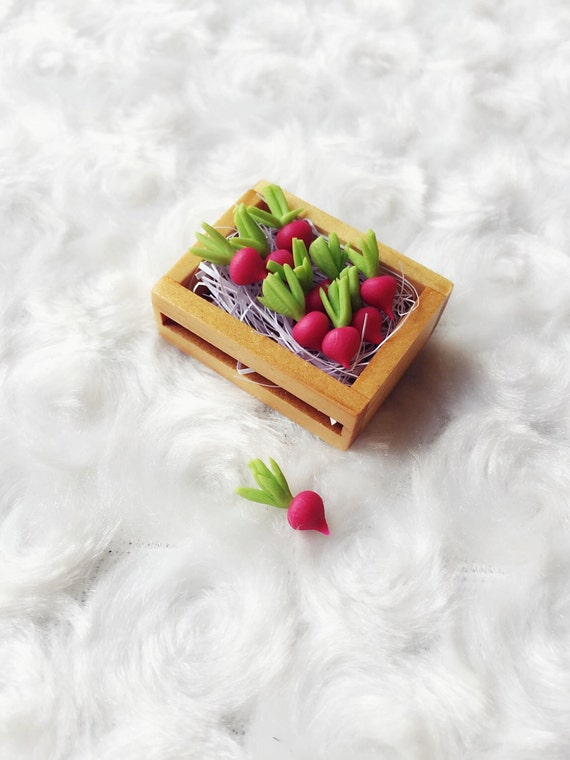Miniature Red Radish in Wooden Tray,Mini Red Radish,Miniature Vegetable,Miniature Radish,Miniature vegetable,Dollhouse Vegetable,Radish