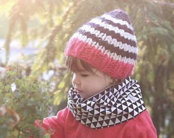 Baby Infinity scarf - Baby scarf - Baby bib - Black - White