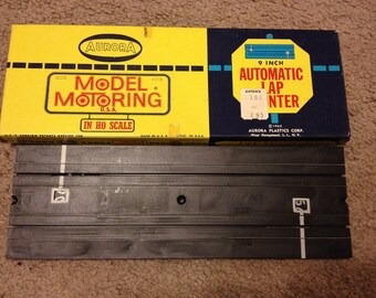 Vintage 1961 Aurora Model Motoring 9 Inch Automatic Lap Counter HO Scale (comes with original box)