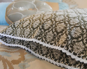Pillowcase with Crochet Lace Trim