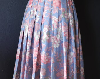 Vintage flowery pleated skirt / Size M- L / 80s