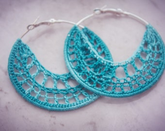 Crocheted hoop earrings cotton thread - white or green