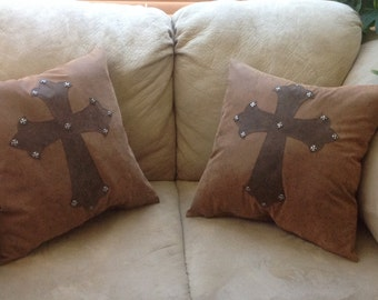 Cross with cross studs