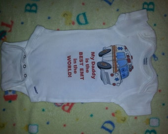 Baby onesie with saying EMT DADDY