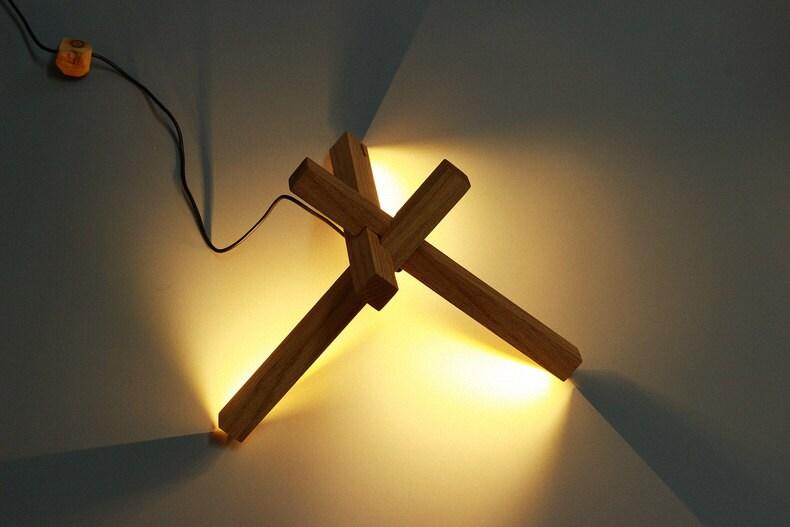 bois de led lampe de bureau clairage led bois par industlamp. Black Bedroom Furniture Sets. Home Design Ideas