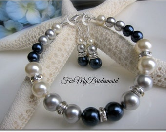 Wedding jewelry. Bridesmaid Navy blue Grey Ivory pearl bracelets. Bridesmaid gifts. Wedding bridal jewelry. Mix of night blue silver grey