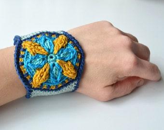 PATTERN Crocheted Wrap Bracelet - Overlay Crochet Mandala Bangle - Colorful Cuff - Instant download